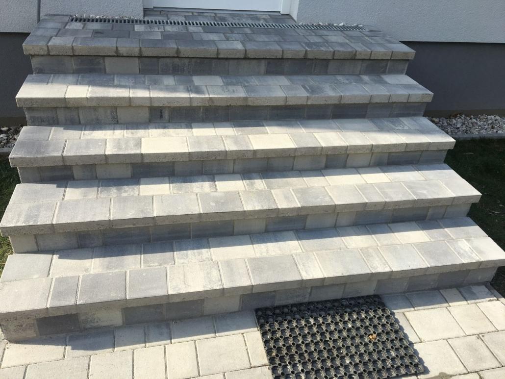 Treppe aus Betonstein