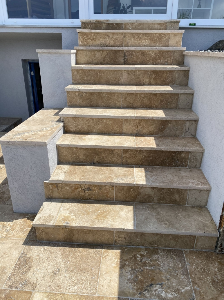 Treppe - Antiker Marmor Perlbeige